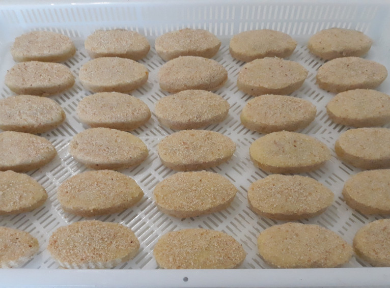 Potato zrazy with peas, 5 kg each. In the box